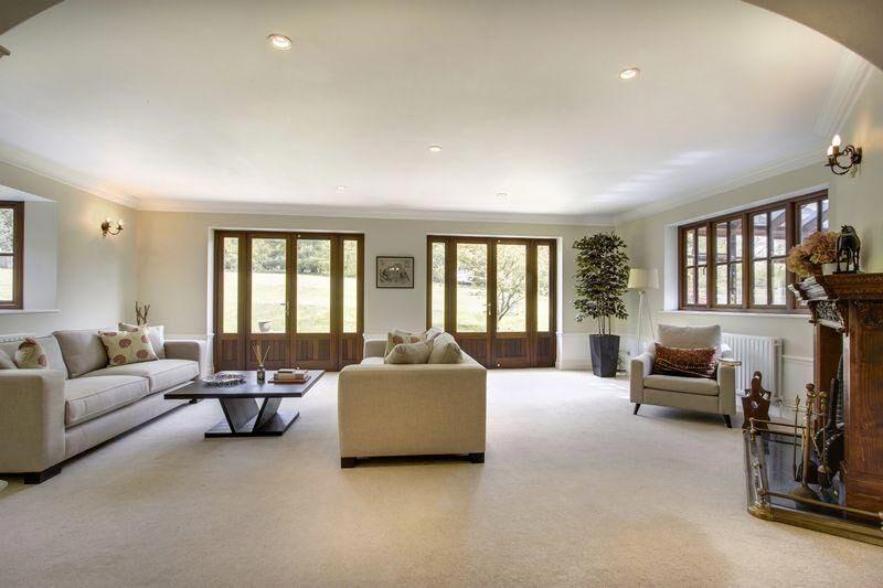 2-Living-Room-c