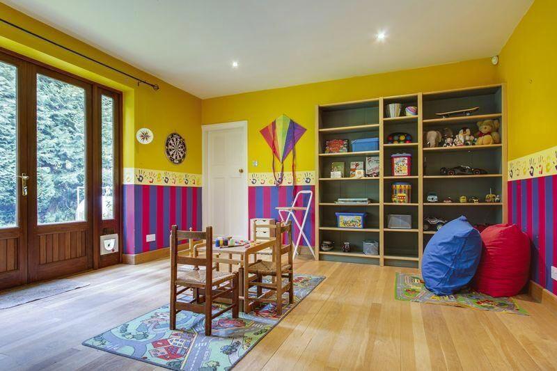 6-Playroom-b