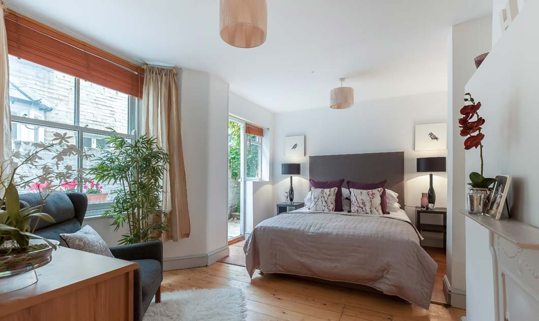 Home Staging Oval
