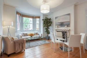 Home Styling in Oval